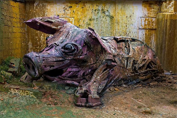 Художник перетворює купи сміття в неймовірні скульптури тварин - фото 16