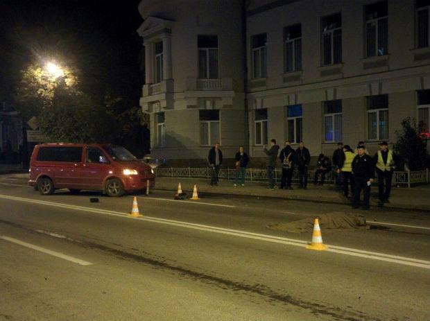 У центрі Харкова мікроавтобус збив на смерть людину - фото 2