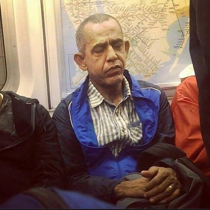 Порошенко, Обама, Путін... Кого ще можно зустріти у метро (ФОТОЖАБИ) - фото 11