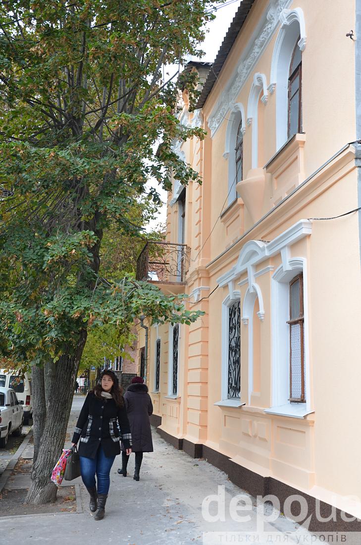 У центрі Вінниці відновили фасад 100-літньої пам'ятки архітектури - фото 1