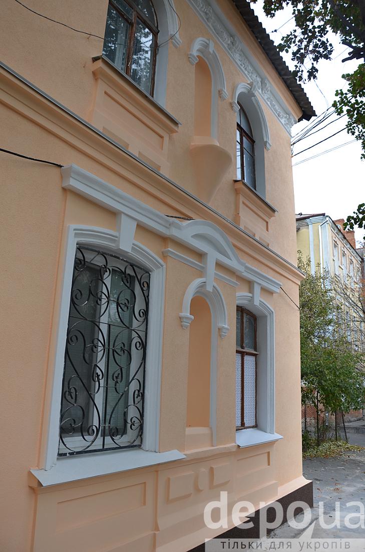 У центрі Вінниці відновили фасад 100-літньої пам'ятки архітектури - фото 4
