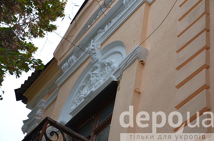 У центрі Вінниці відновили фасад 100-літньої пам'ятки архітектури - фото 3