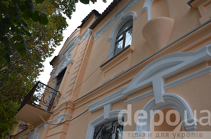 У центрі Вінниці відновили фасад 100-літньої пам'ятки архітектури - фото 2