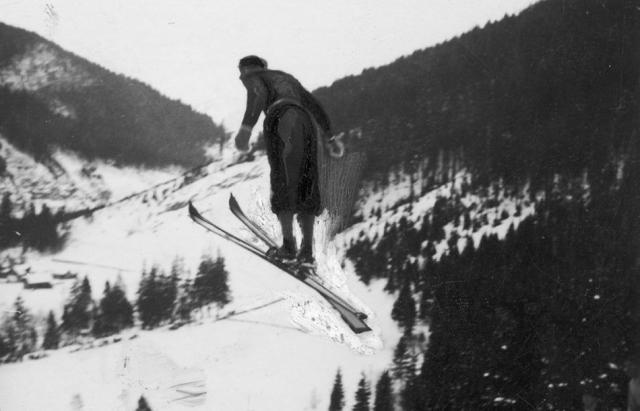 Як на Закарпатті майже сто років тому лижники вражали трюками - фото 4