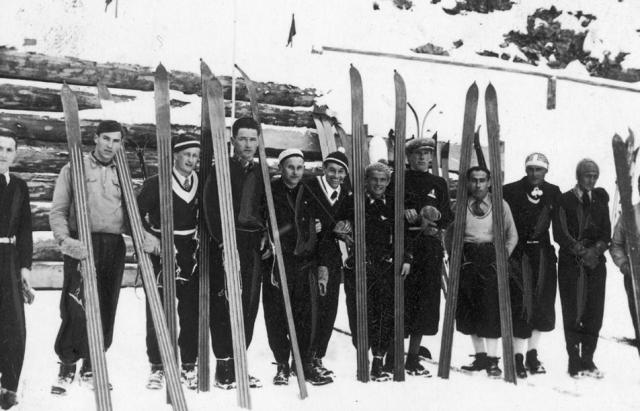 Як на Закарпатті майже сто років тому лижники вражали трюками - фото 1