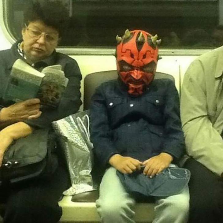Порошенко, Обама, Путін... Кого ще можно зустріти у метро (ФОТОЖАБИ) - фото 17