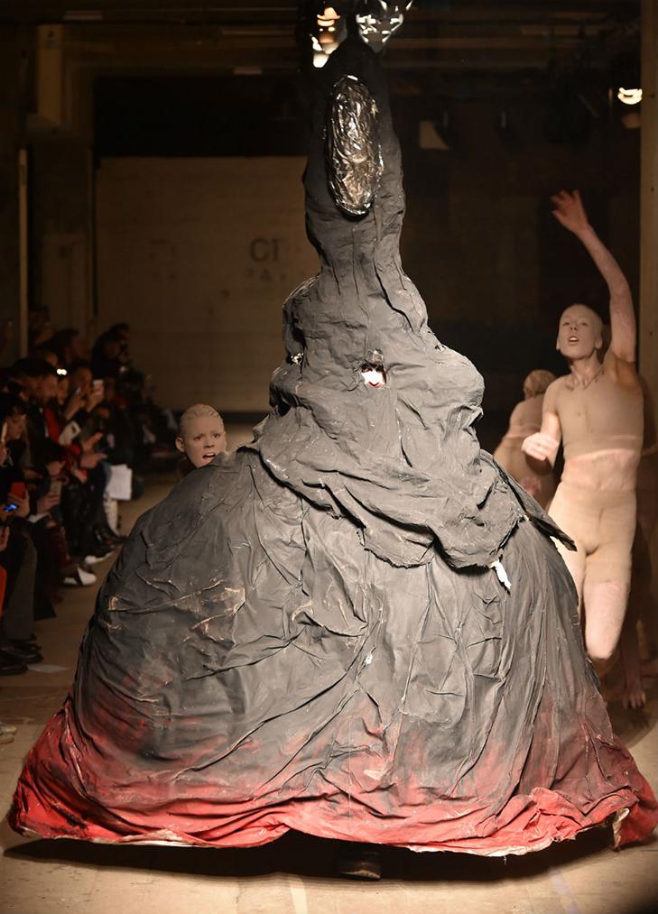 Краще б ми цього не бачили - в Лондоні відбувся Тиждень чоловічої моди - фото 9