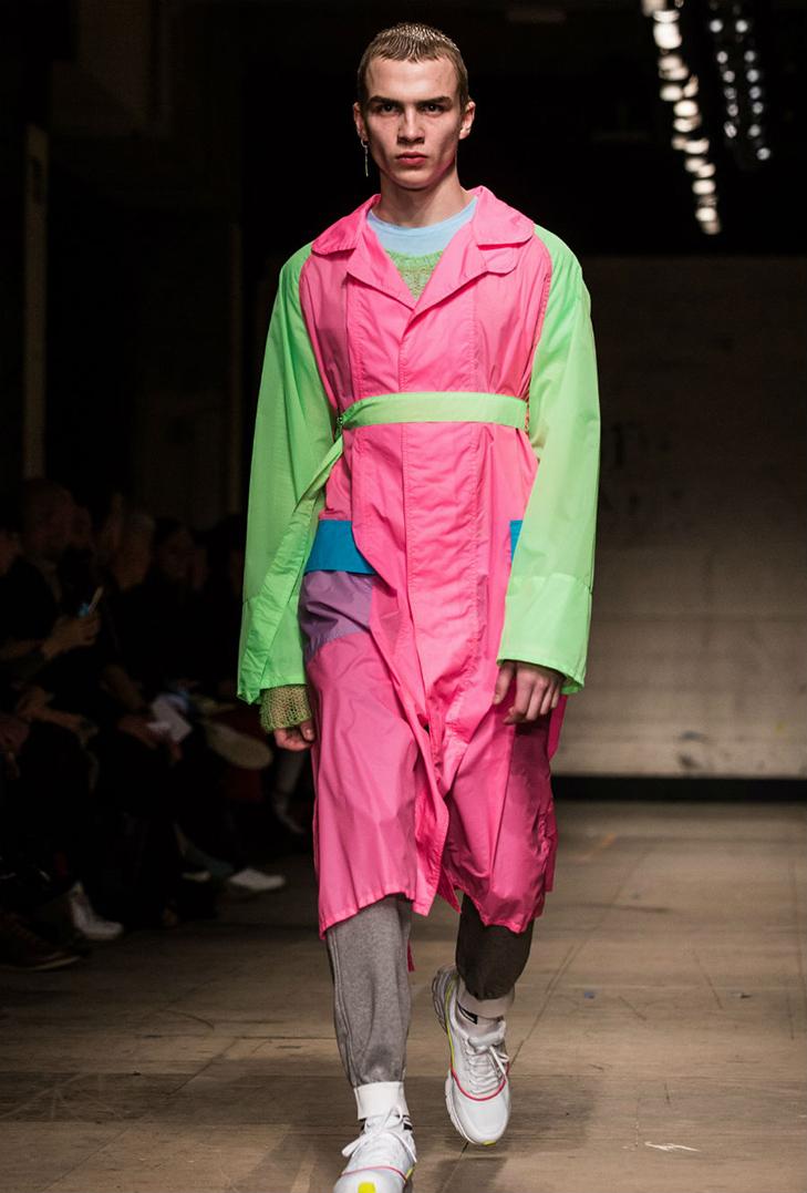 Краще б ми цього не бачили - в Лондоні відбувся Тиждень чоловічої моди - фото 5