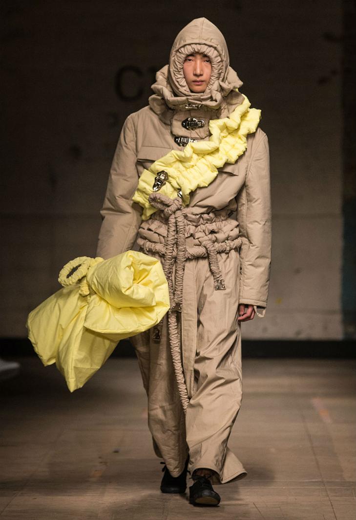 Краще б ми цього не бачили - в Лондоні відбувся Тиждень чоловічої моди - фото 1