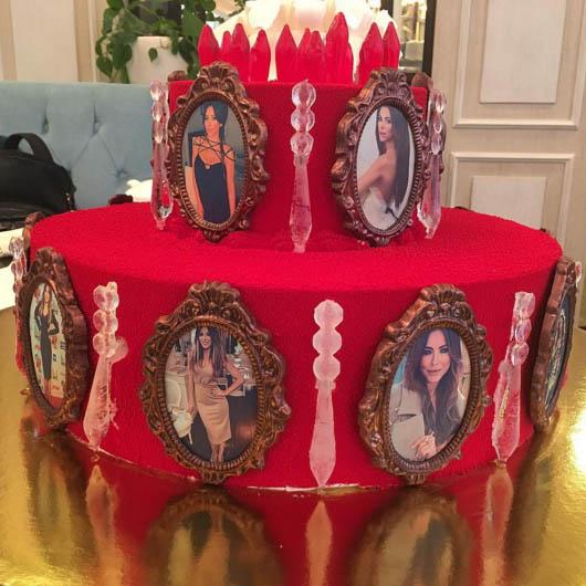 """Лорак подарували """"поховальний"""" торт з її фото - фото 1"""