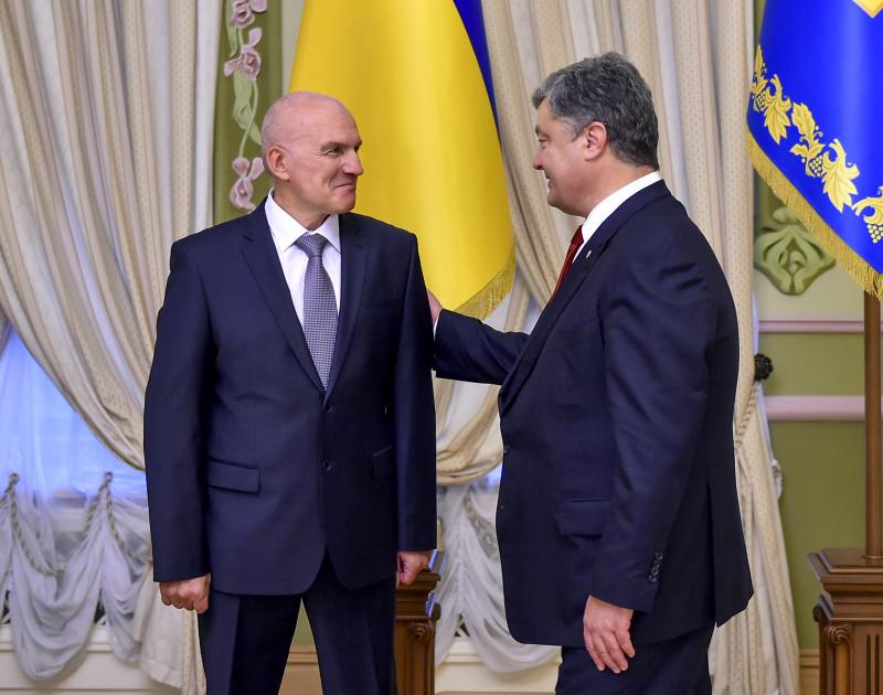 Порошенко прийняв нових послів Швеції, Норвегії, Білорусі і Кувейту - фото 4