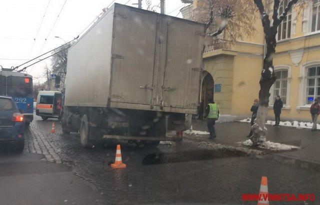 У центрі Вінниці тернопільська машина убила жінку  - фото 5