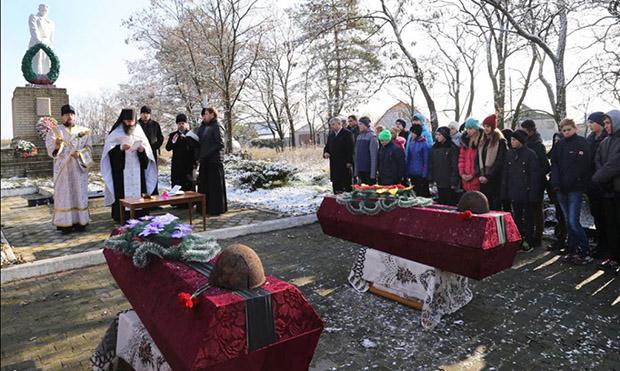 На Харківщині перепоховали останки 15 радянських бійців - фото 2