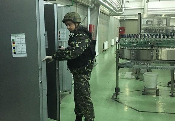 На немирівському лікеро-горілчаному заводі шукали бомбу - фото 1