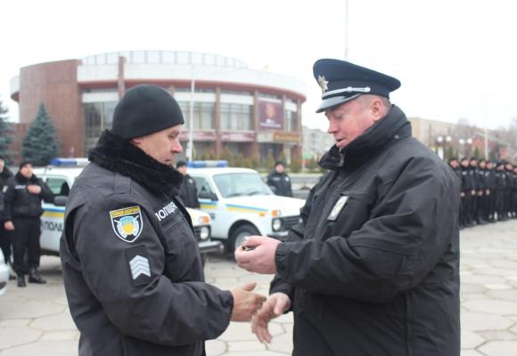 """Вінницька поліція охорони похвалилася двома новими """"Нивами"""" і чотирма """"Део Сенсами"""" - фото 1"""