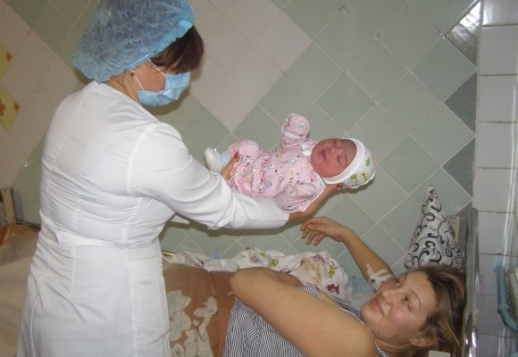 Вінничанка народила лівчинку-богатиря  - фото 3