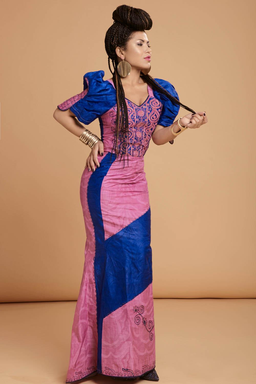Гайтана знялася у яскравій фотосесії і показала спокусливу фігуру - фото 4