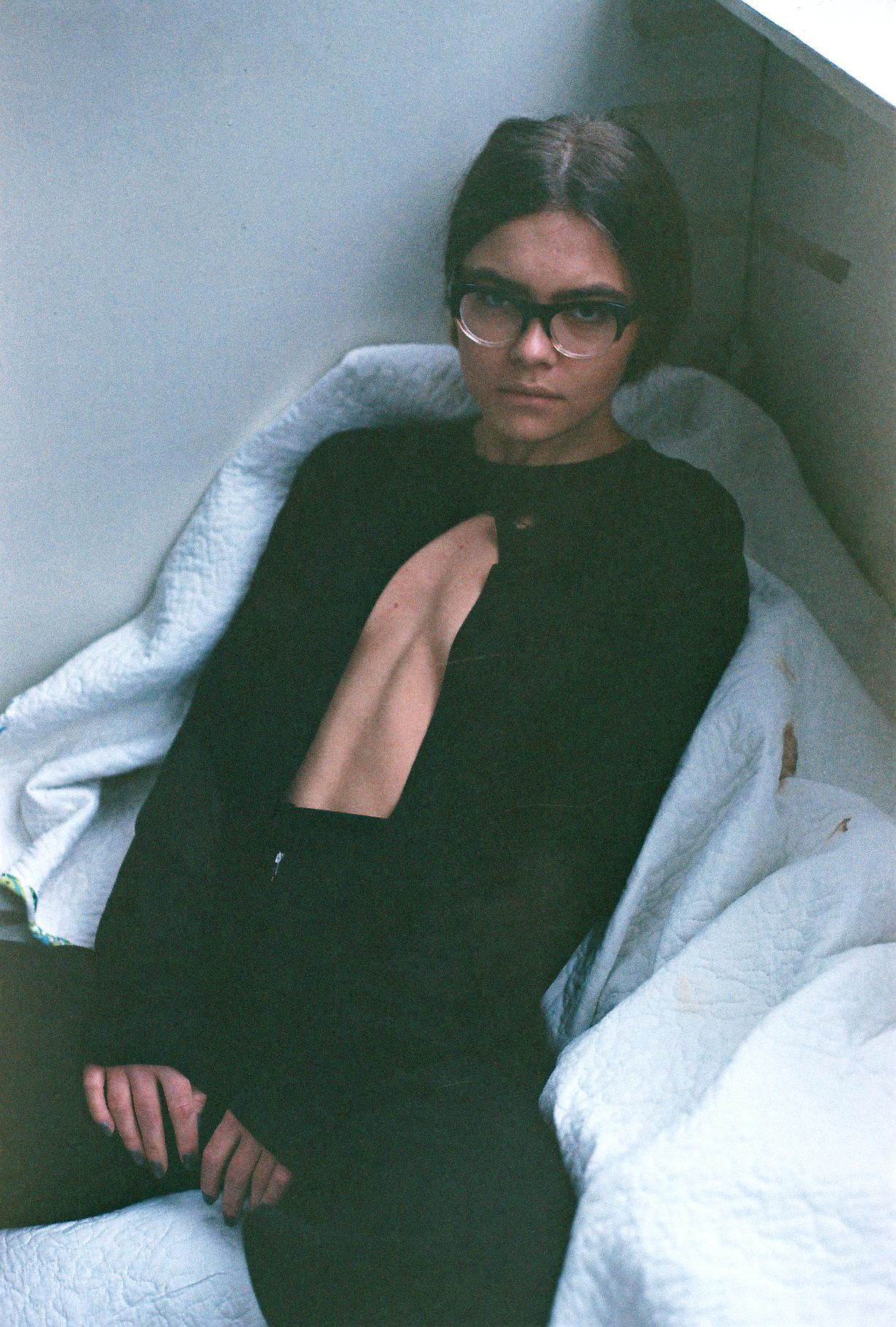 У Мережі оприлюднили нові відверті фото скандальної заступниці Авакова (ФОТО 18+) - фото 2