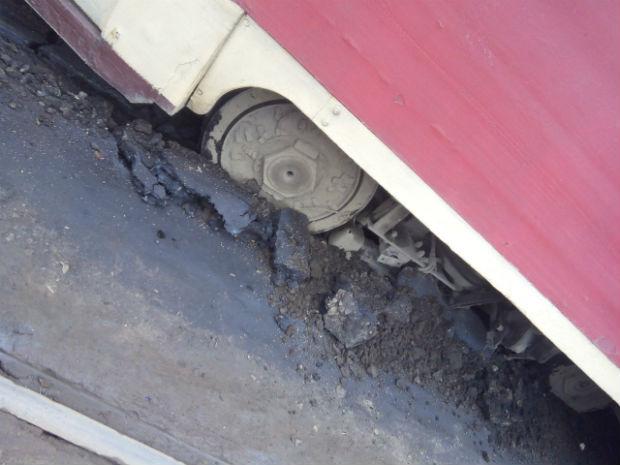 На Салтівці трамвай злетів із рейок - фото 2