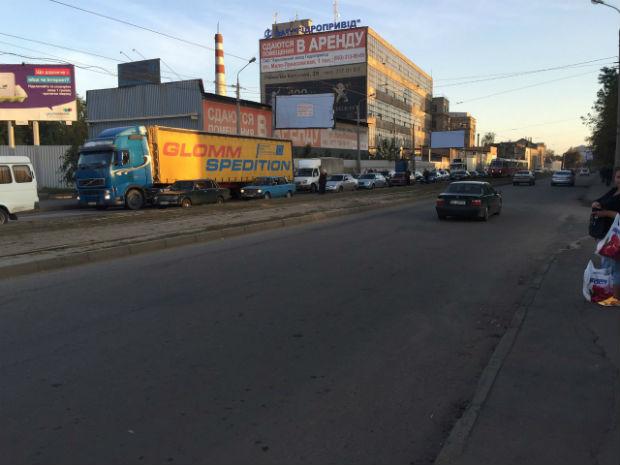 """У Харкові в районі Південного вокзалу – трамвайний """"дрифт"""" - фото 5"""