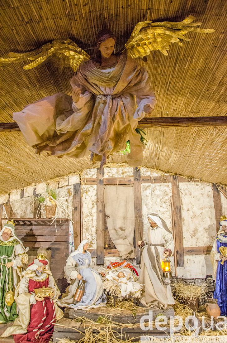 На майдані Незалежності вперше встановили різдвяний вертеп - фото 2