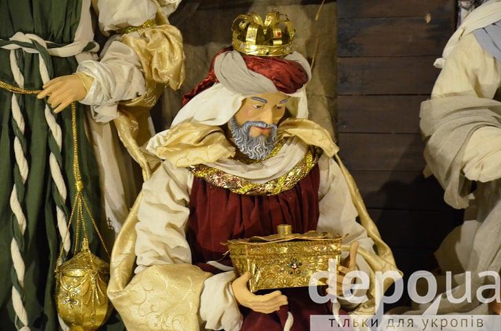 На майдані Незалежності вперше встановили різдвяний вертеп - фото 5