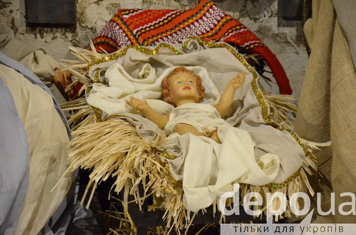 На майдані Незалежності вперше встановили різдвяний вертеп - фото 4