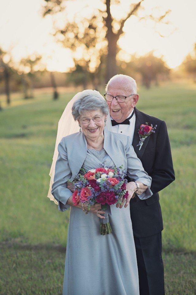 Як зворушливо закохана пара відсвяткувала 70 років весілля - фото 1