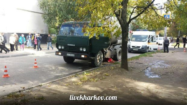 У Харкові бетономішалка роздавила людину, - очевидці - фото 1