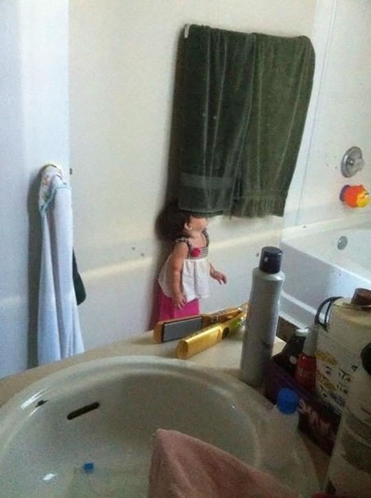 30 кумедних прикладів, як діти грають в хованки - фото 17