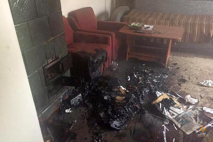 На Тернопільщині з палаючої квартири вря…