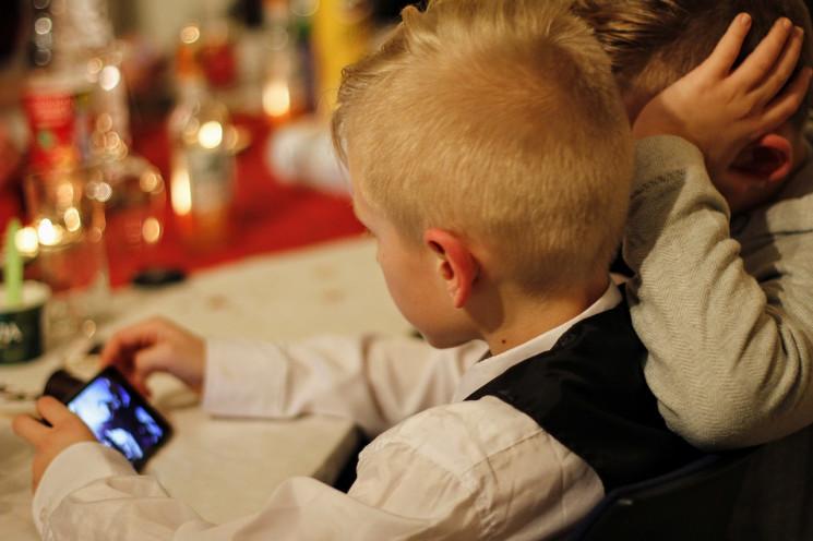 Гончаренко пропонує заборонити смартфони…