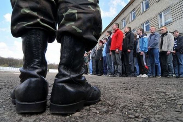 З речами на вихід: У Києві 12-річний шко…
