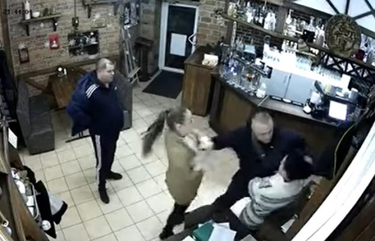 """Бійка у полтавському кафе: П'яний """"Вітал…"""