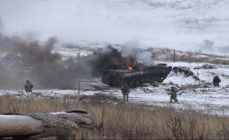 На Донбассе боевики стреляют из противот…