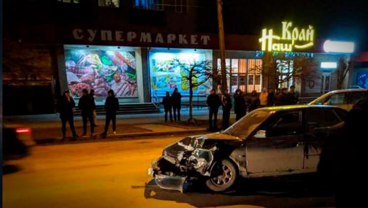Чотири автомобілі постраждали в автотрощ…