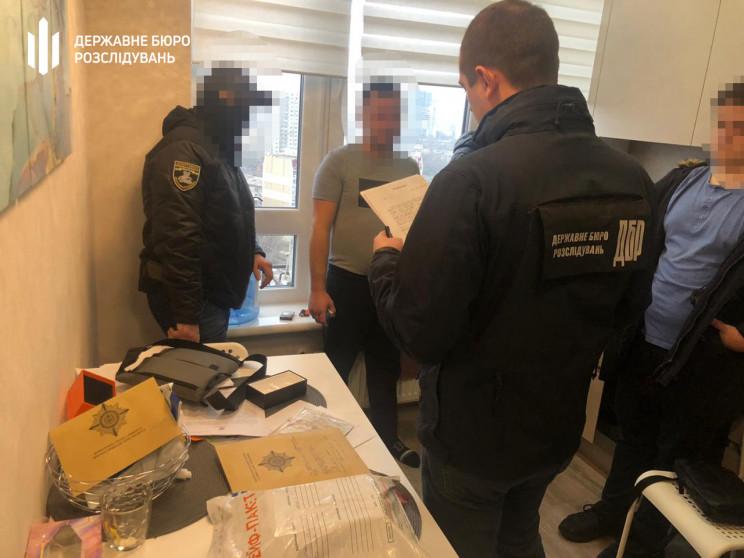Двоє правоохоронців з Одещини провели фе…