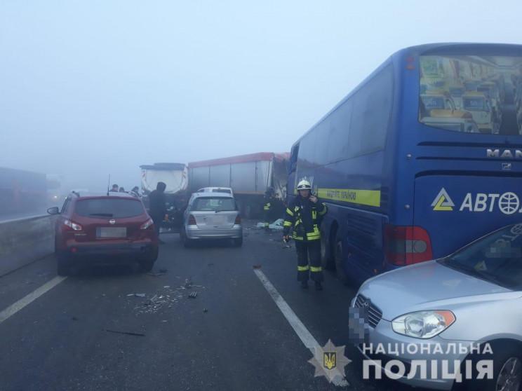 На Одещині зіштовхнулися 11 автівок: Є ж…