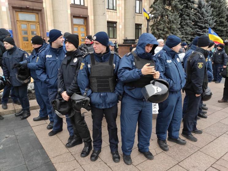 Мітинг за російську мову: Десятьох актив…