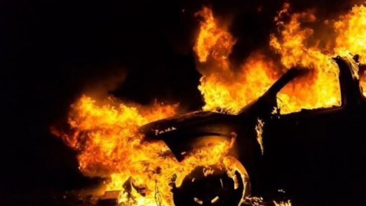В Мукачево ночью сгорел BMW X5…