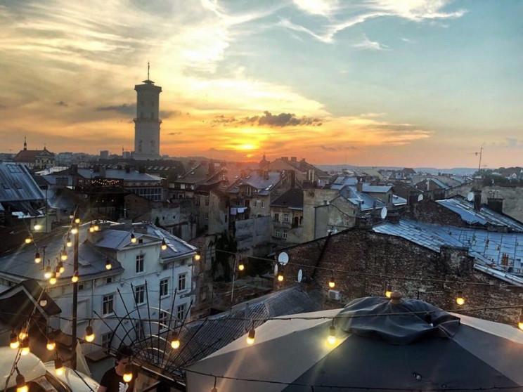 У центрі Львова вирізали ясени і тополі…
