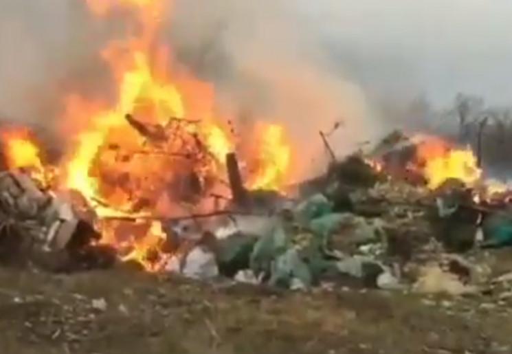 В прибережній зоні Анапи палять сміття…