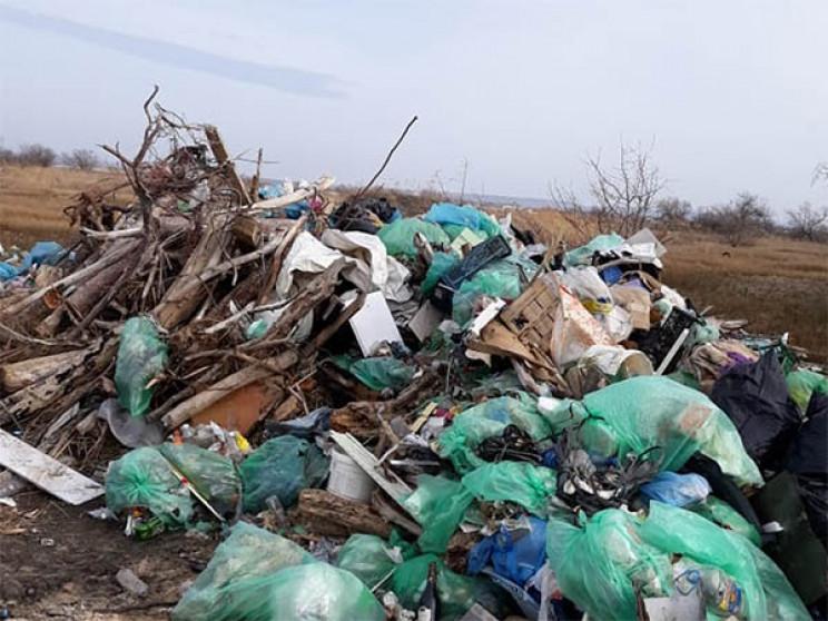 В Анапі незаконне звалище відходів забру…