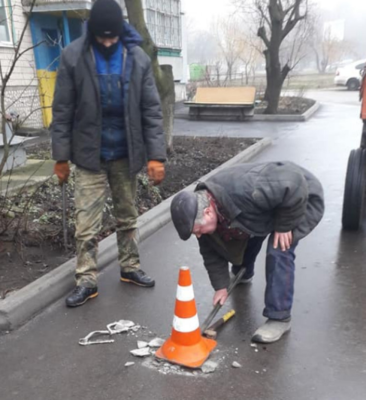У Кропивницькому з дворів почали прибира…