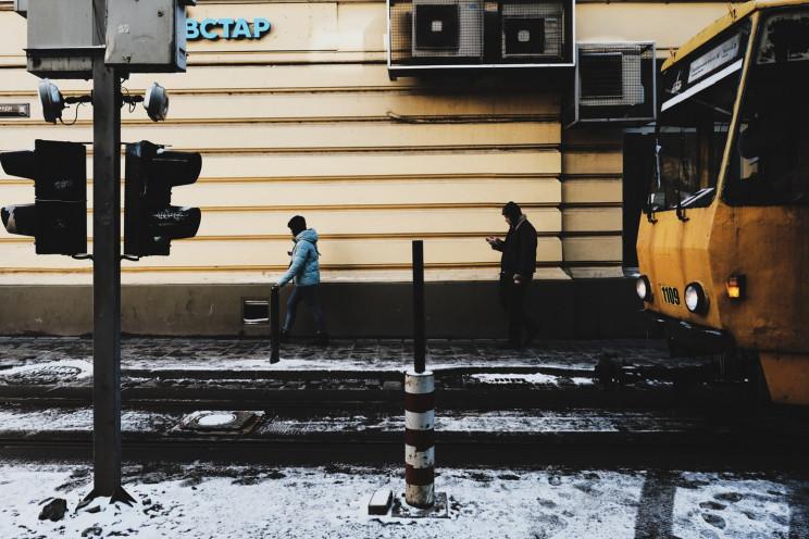 Львівські трамваї і тролейбуси курсують…