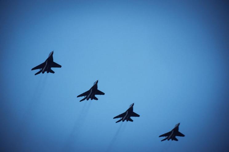 На Прикарпатті військові пілоти виконали…