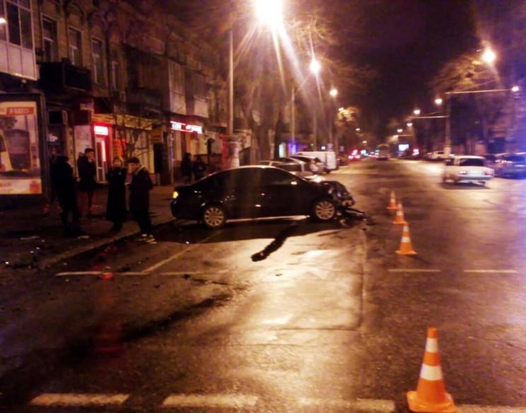 В центре Одессы столкнулись две легковуш…