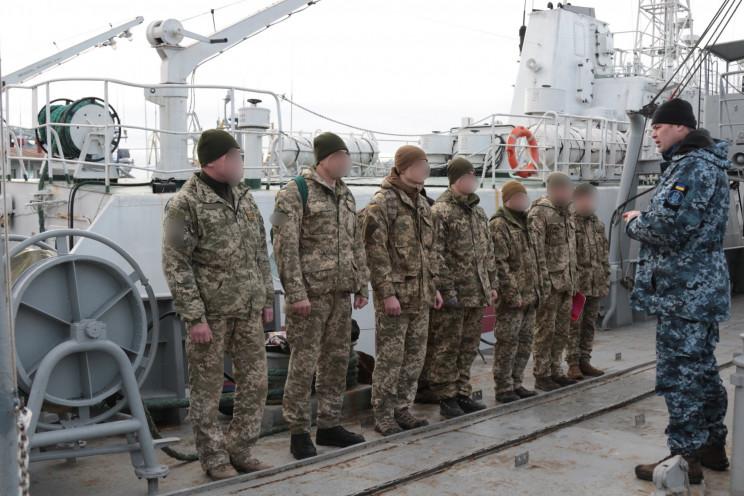 В Одессе военные отрабатывали водолазные…