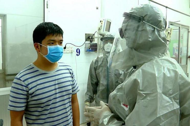 Коронавірус убив уже 213 людей, хворих –…