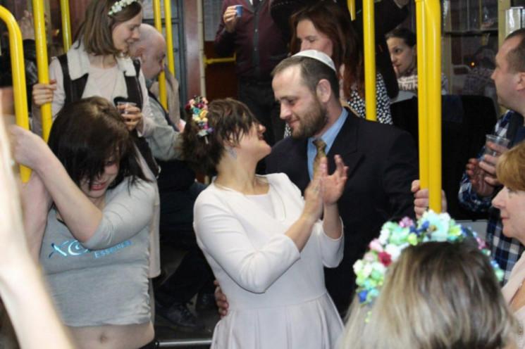 Чим жила Україна: Одруження в трамваї, с…